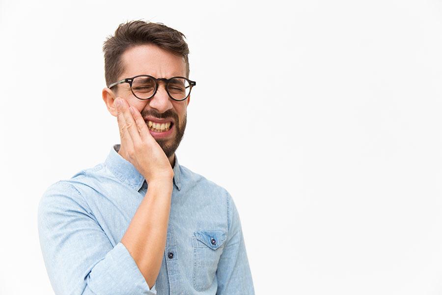 dientes amarillos por tabaco | Dentistas Albacete