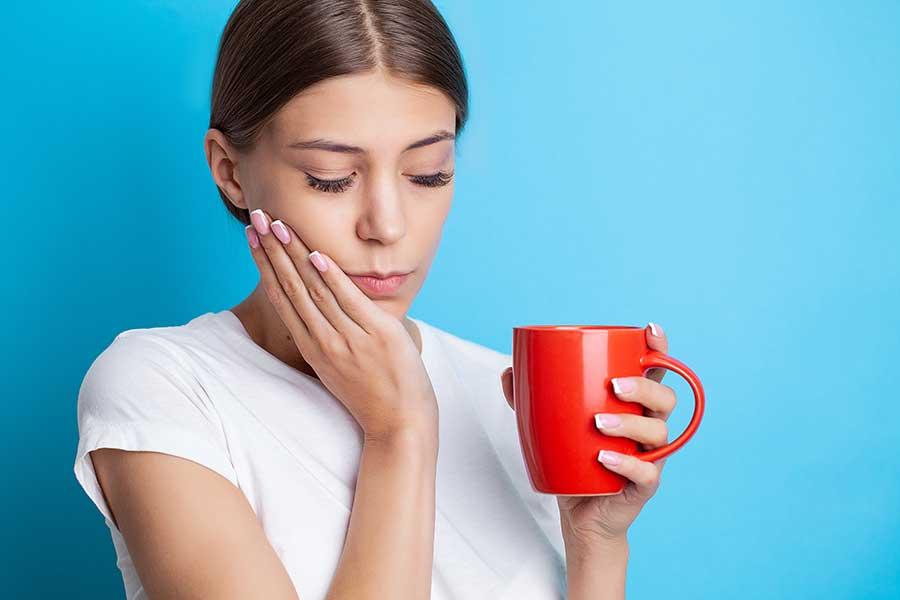 Dolor de dientes al tomar alimentos fríos